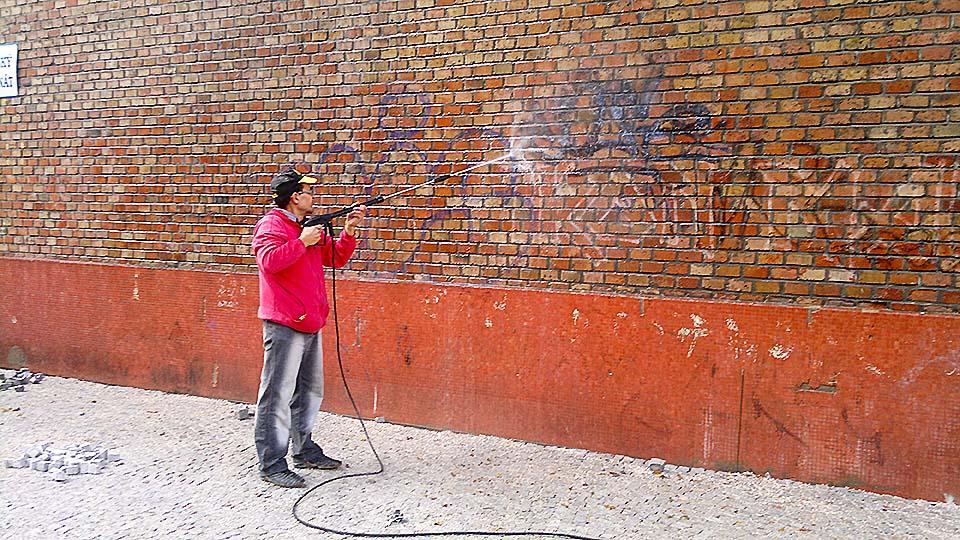 Odstránenie grafitov Žilina