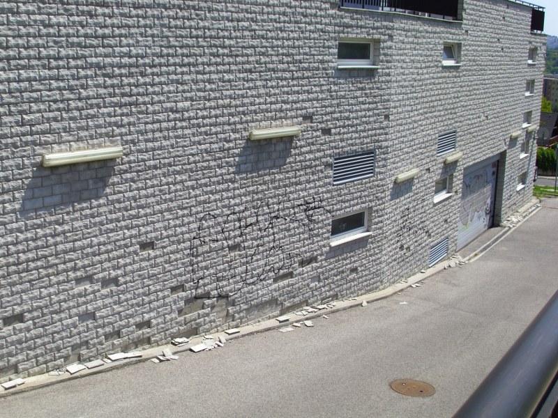 Odstránenie graffiti náter antigraffiti a fasádnou farbou Žilina