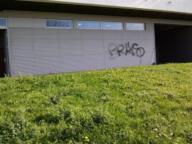 Vyčistenie od graffiti absencia anti-graffitové ochrany Žilina